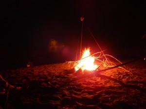 Das Feuer, ein allabendliches Ritual...