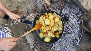 Zum Mittag eine Stärkung mit Bratkartoffeln...